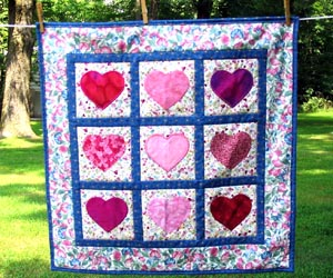 Hearts on a Wall Wallhanging Quilt
